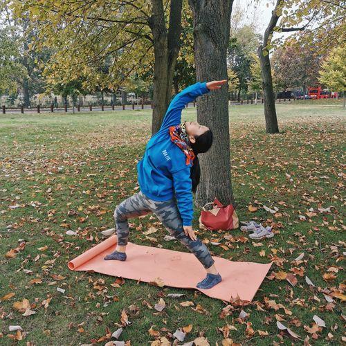 Nourishing yoga in Cator Park