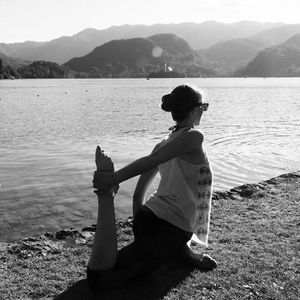 Did you know that you can vary pretty much any yoga pose (asana) to suit your abilities and needs? This variation of pigeon pose (eka pada rajakapotasana) gives a great stretch in the quads and introduces a backbend and heart-opener, which you don't get from the more introspective forward folding variation. Drop me a line if you want to know how to vary anything in particular!