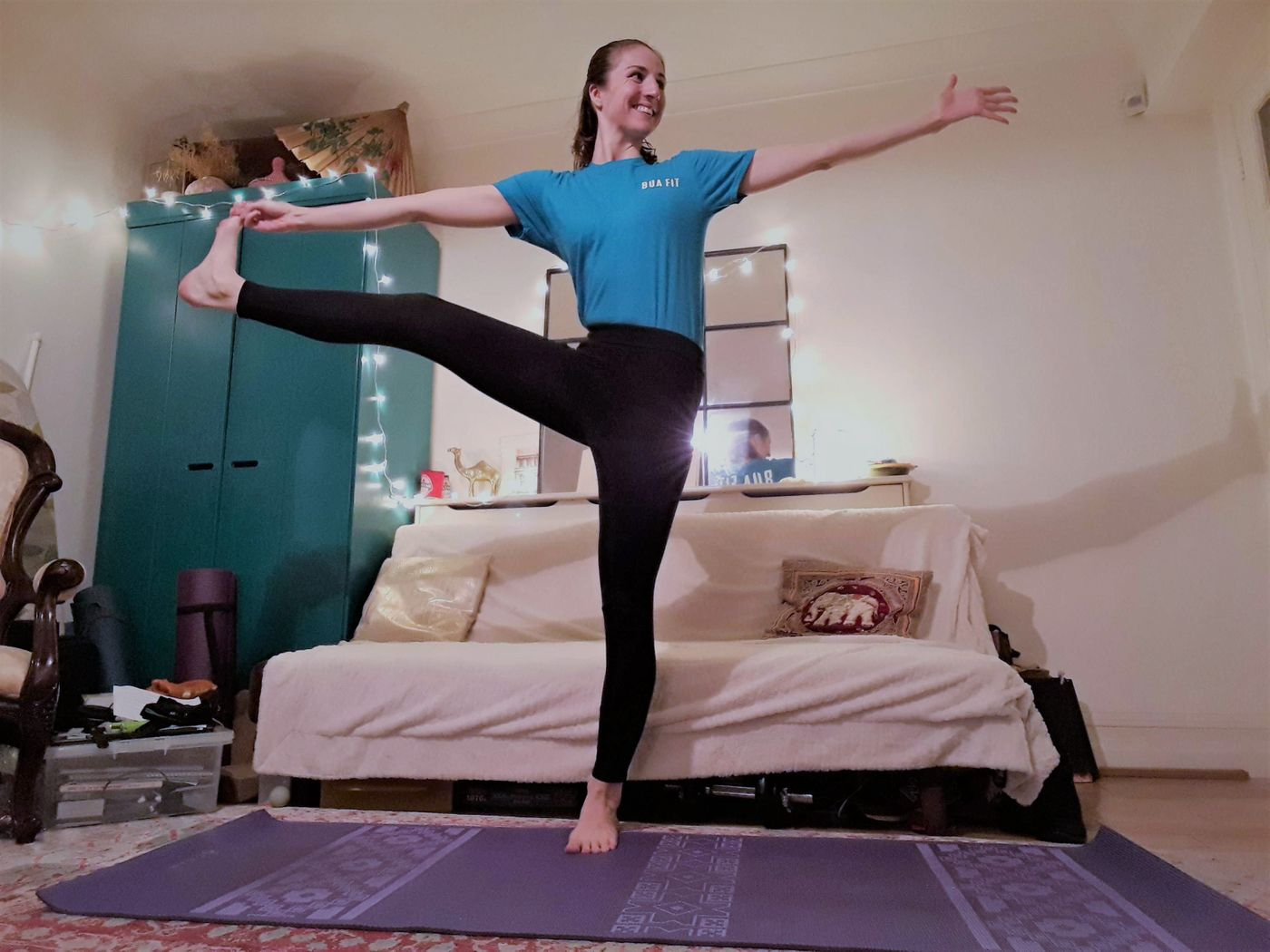 Working at a desk? Take regular breaks to move, stretch and look at something in the distance to help you stay alert and ward off getting too stiff! How about a 1 minute dance around the living room or 5-10 minutes of yoga?