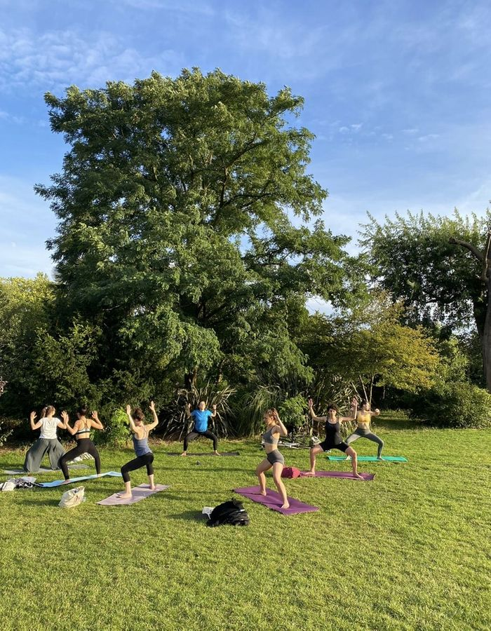📢 Calling all yogis in the Clissold Park area! The countdown is on! Two new classes coming your way from April 1st - Thursday lunchtime and Saturday morning 🍃 You can already book in: https://bua.fit/u/Simone_Yoga/classes