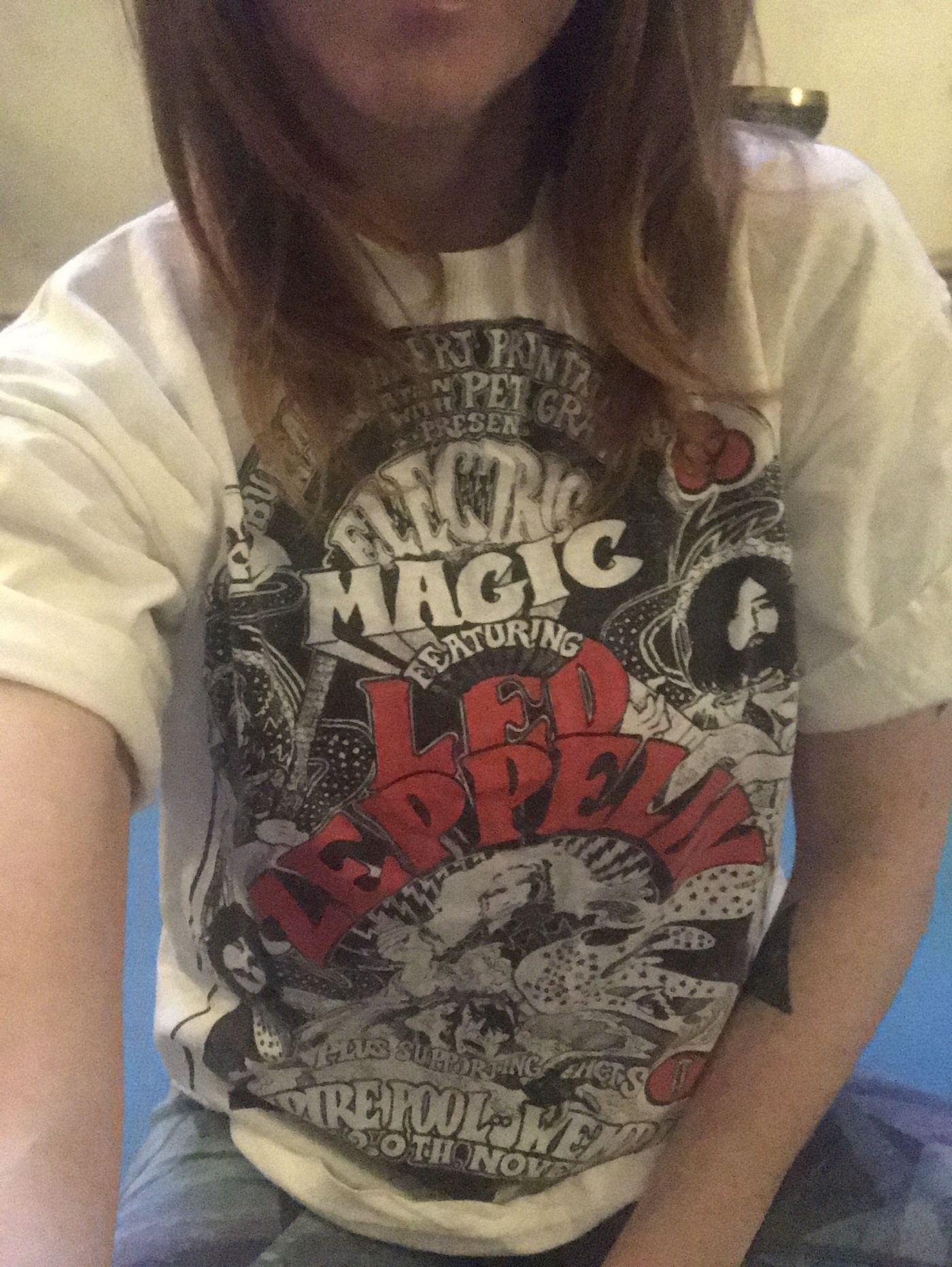 Bringing a bit of rock to my Yoga practice today in my Vintage Led Zeppelin Rock Tee, I'm not called the Vintage Vinyasa for nothing....