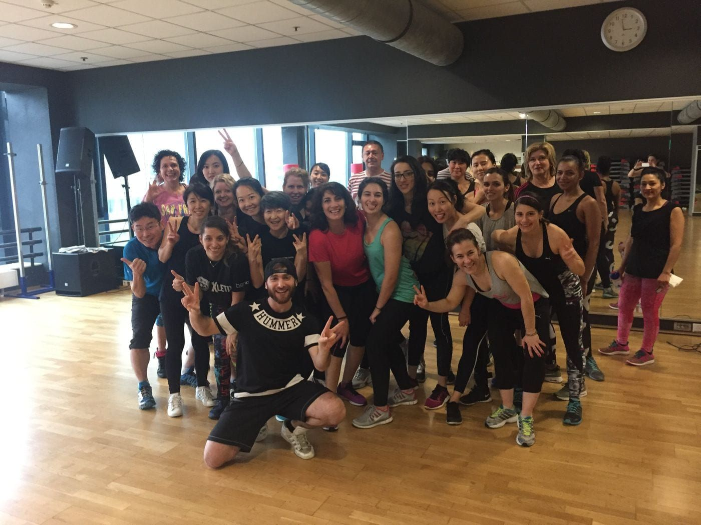 Ready for the weekend ? lets wakeup together tomorrow with some Commercial music and a big smile and lot of energy :) i wait you for my next class! feel free to ask for more info or join me :) here >> https://bua.fit/class/4684iSf8TPyY